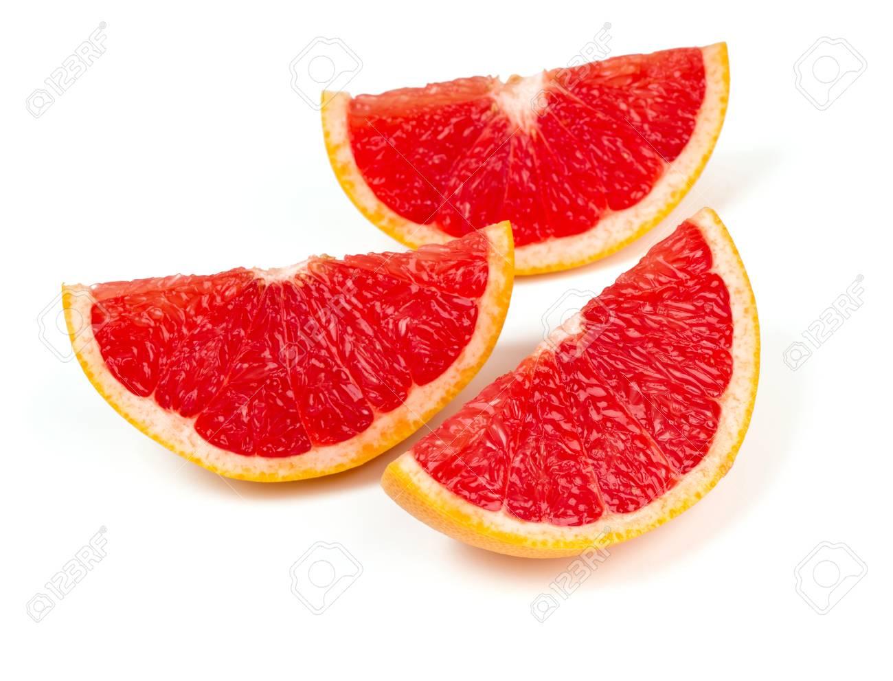 couper le pamplemousse rouge isole sur blanc banque d images et photos libres de droits image 24349106