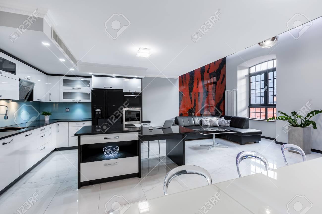 Moderne Wohnzimmer Mit Offene Kuche Wohnzimmer Und Offene Kuche