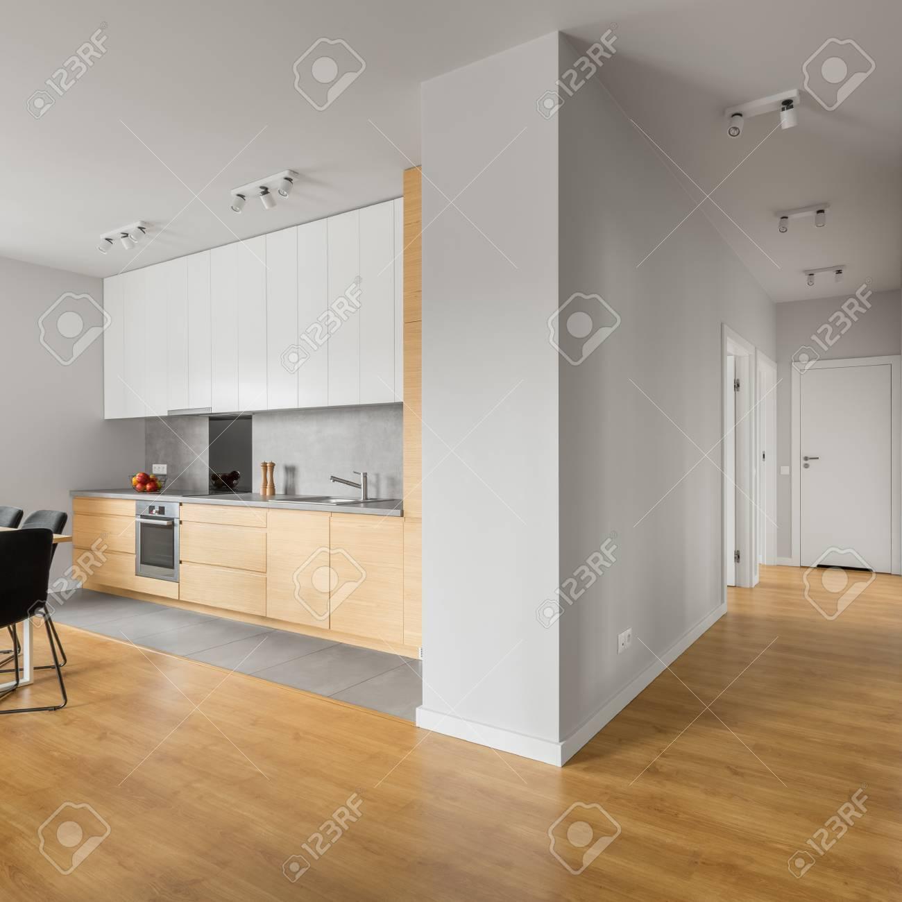 Weisse Kuche Mit Holzboden Dunkel Oder Hell Welche Arbeitsplatte