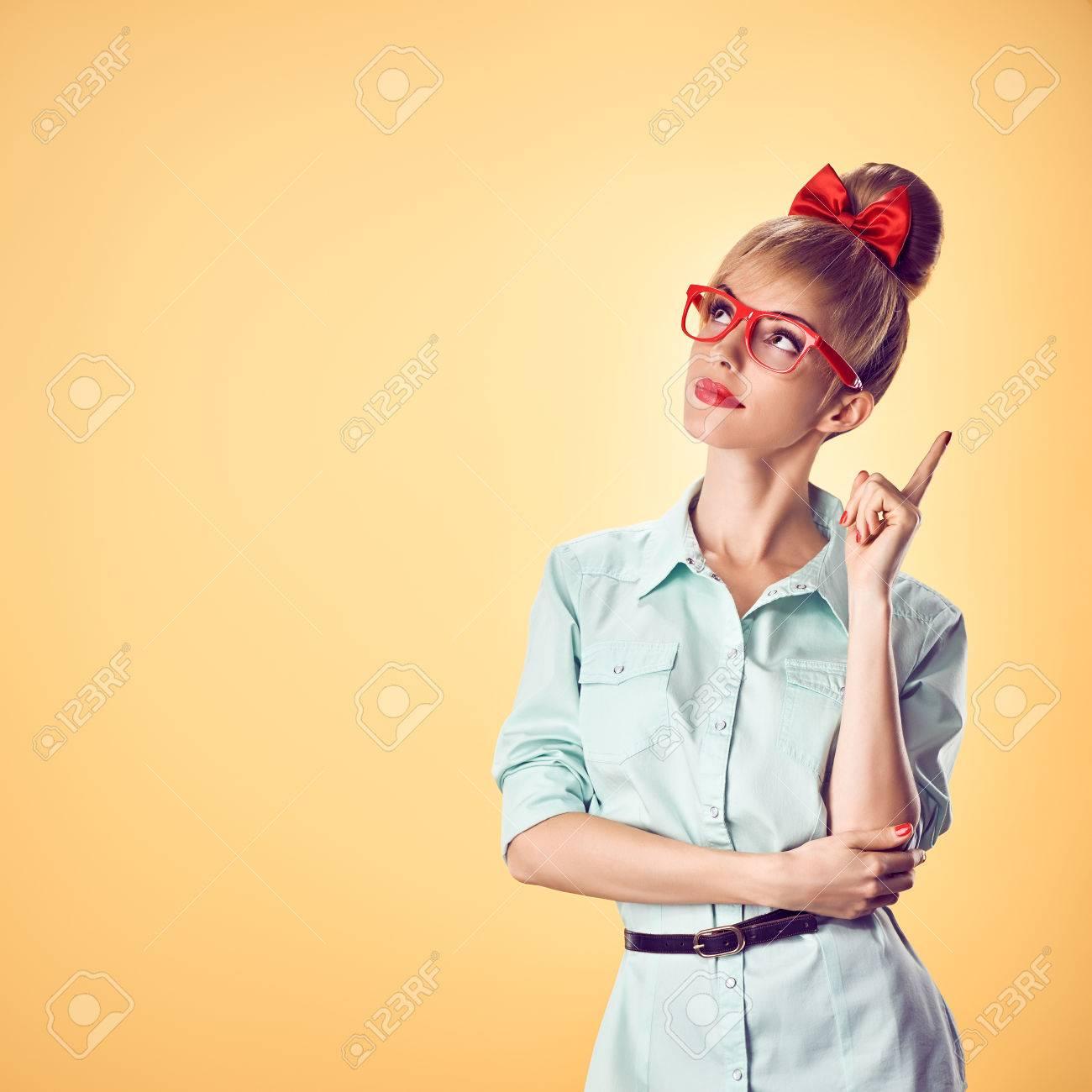 Mode Nerd Frau In Stilvollen Gläsern Die Spaß Haben Hipster Mode