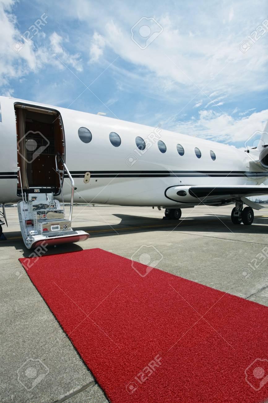 avion prive avec tapis rouge