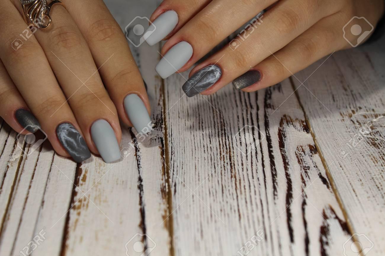belle idee pour manucure sur les ongles longs