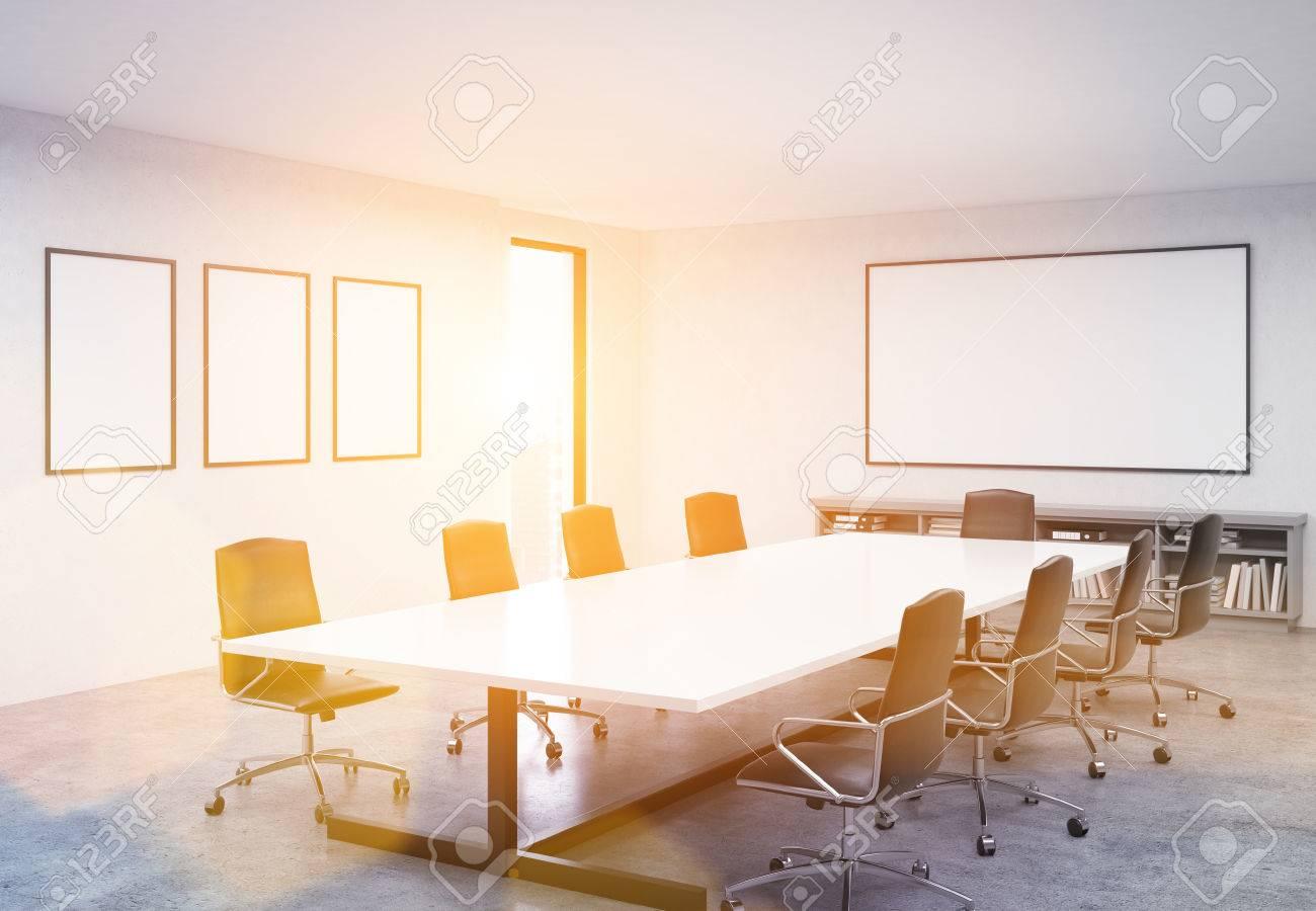 banque d images salle de conference beton inter avec table chaises tableau blanc vierge cadres et vue sur la ville image teintee maquette rendu 3d