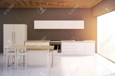 Moderno Interior De Cocina Con Paredes Gris Oscuro Ventana Panorámica Encimera Y Una Mesa Con Nevera Representación 3D Bosquejo Imagen En Tonos Fotos Retratos Imágenes Y Fotografía De Archivo Libres De Derecho
