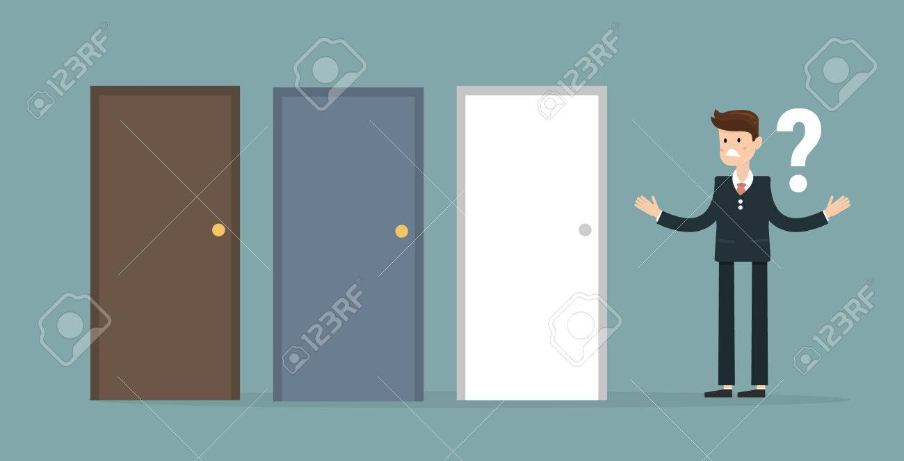 banque d images homme d affaires debout a cote de trois portes incapable de faire le concept de bonne decision avec des points d interrogation au dessus