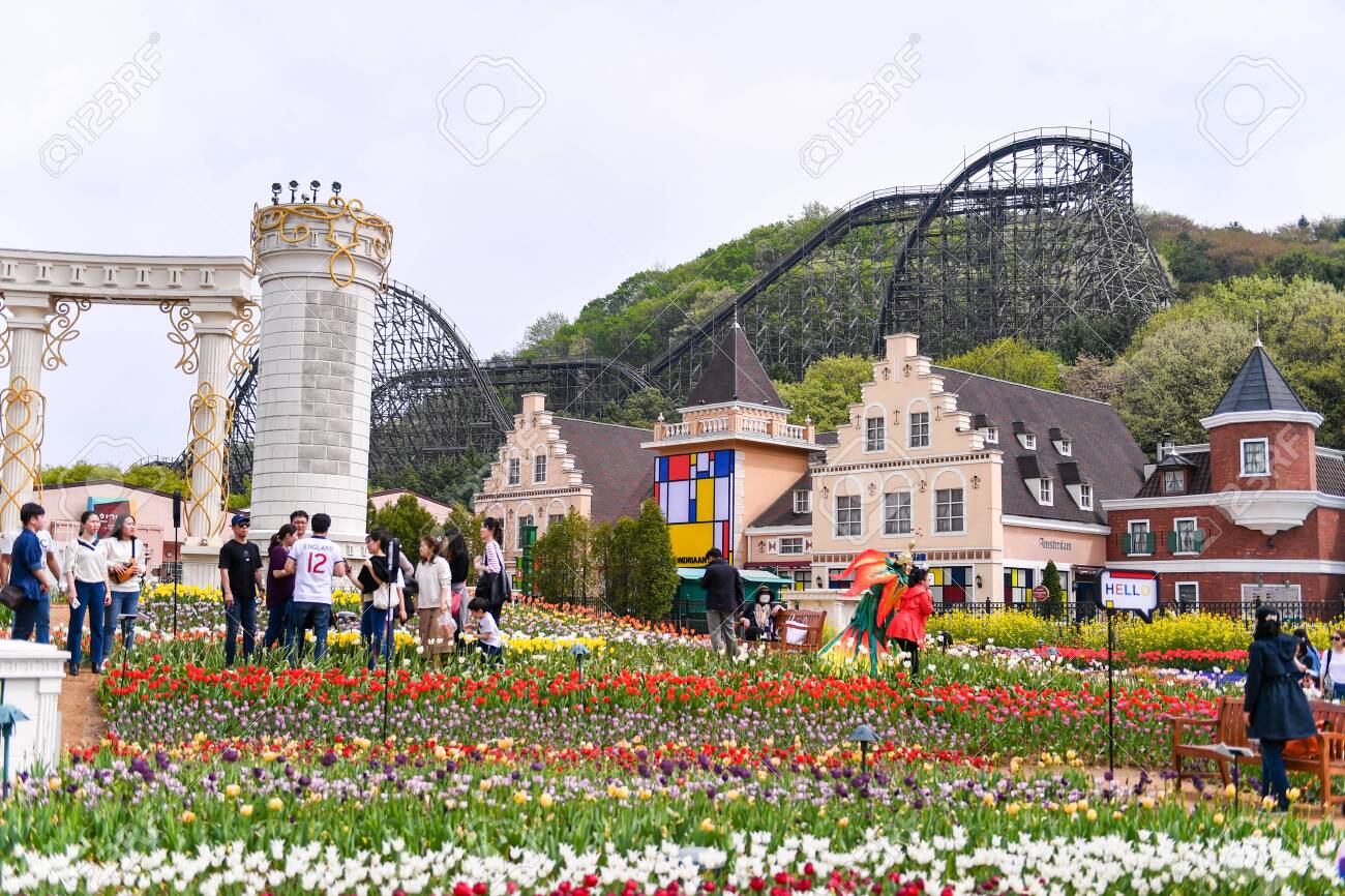 Seoul South Korea Apr 24 2019 Everland Resort Is A Theme Park Stock Photo Picture And Royalty Free Image Image 128024434
