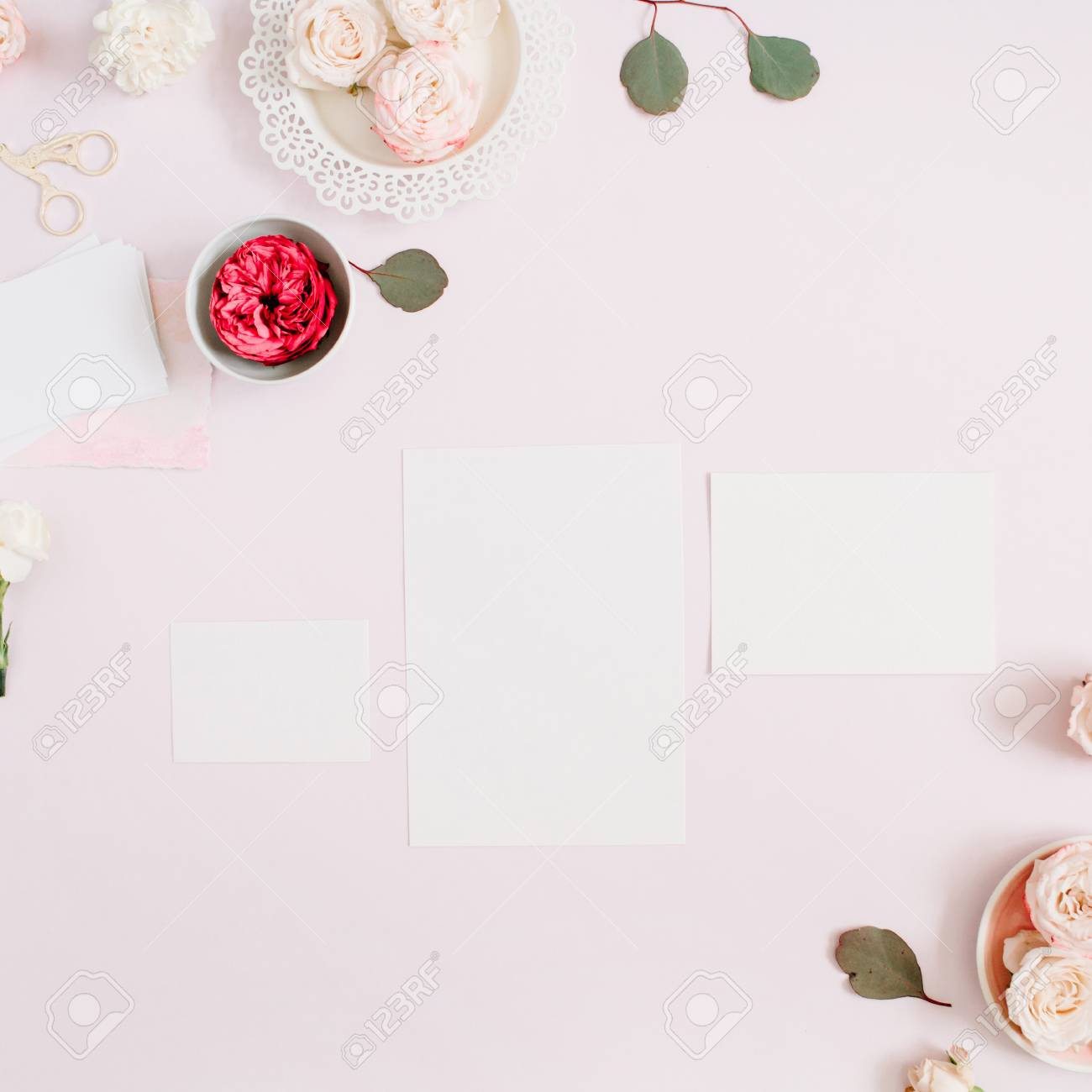 wedding invitation cards template pink and red rose flower buds