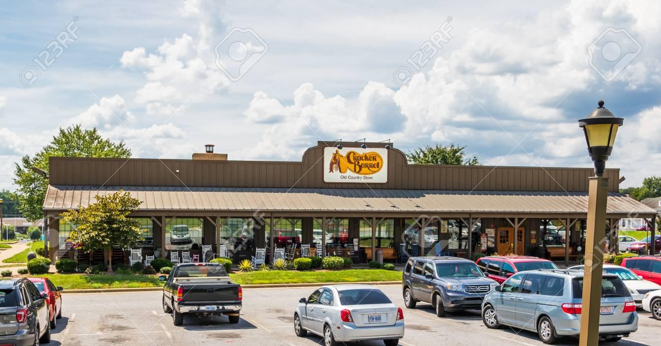 hickory nc usa 9 6 18 a local cracker barrel restaurant and
