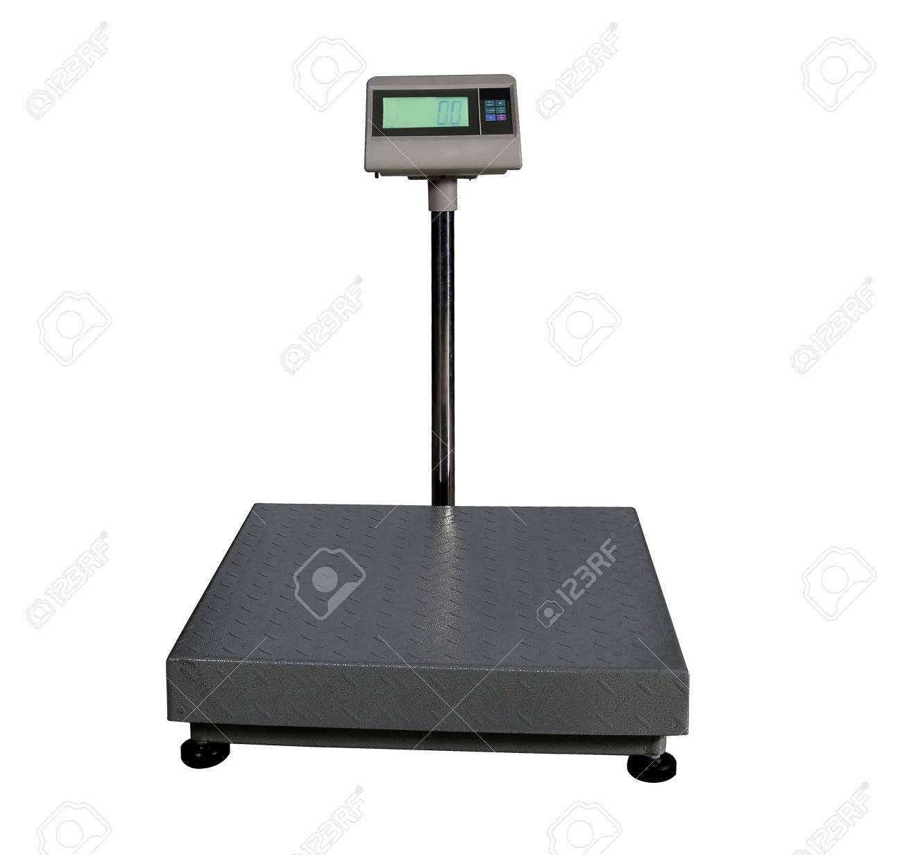 balances pour peser des objets lourds et des marchandises isole sur fond blanc banque d images et photos libres de droits image 87699981