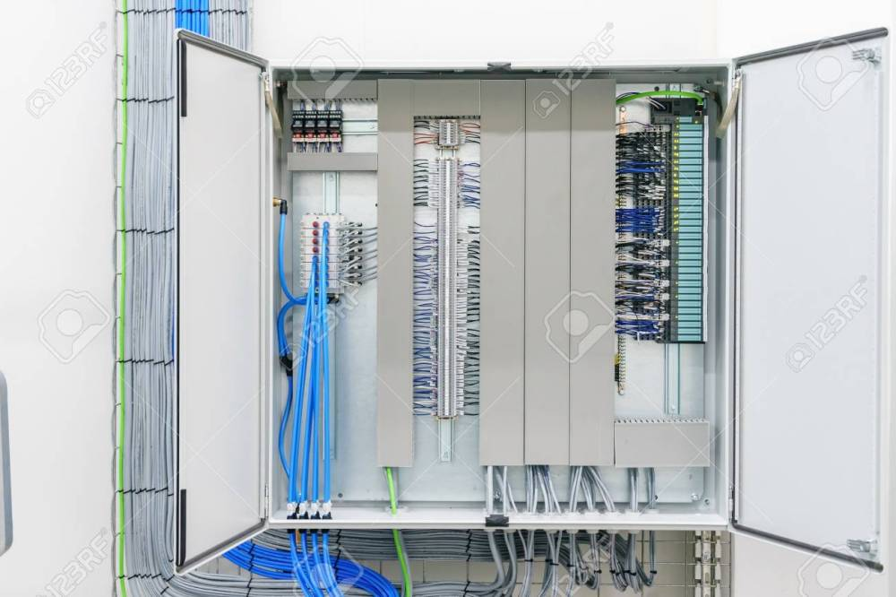 medium resolution of fuse box electricity wiring diagram dat fuse box electrical plans symbol electricity distribution box with wires