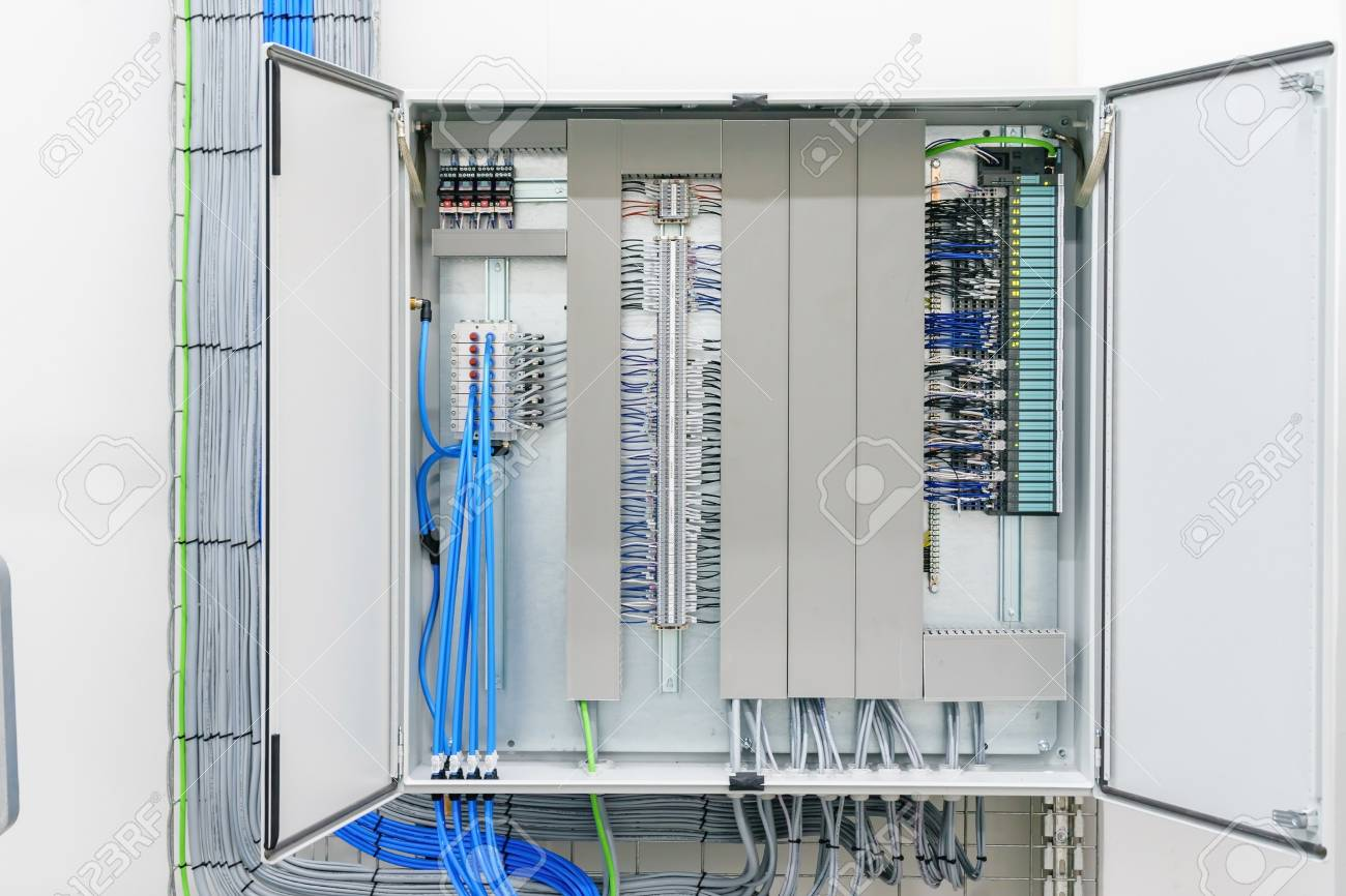 hight resolution of fuse box electricity wiring diagram dat fuse box electrical plans symbol electricity distribution box with wires