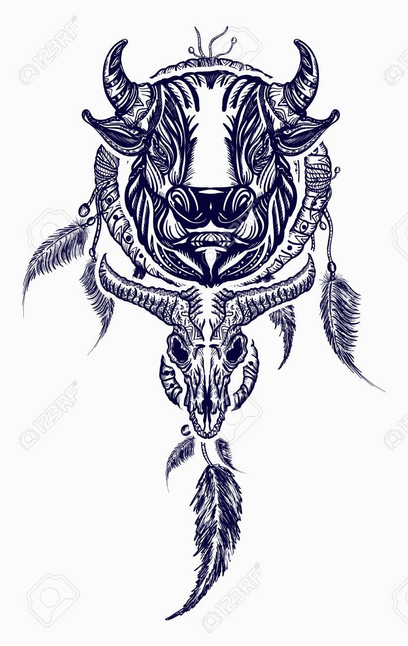 Arte Tribal Del Tatuaje Del Toro Y Del Dreamcatcher Atrapasueños