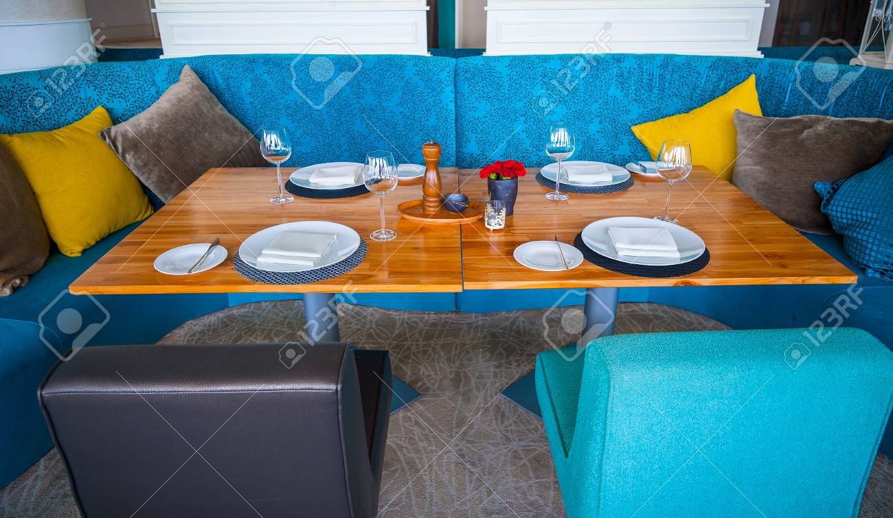 Blue Dining Chairs Modern Blue Dining Room There Are Chairs And Table Setup With