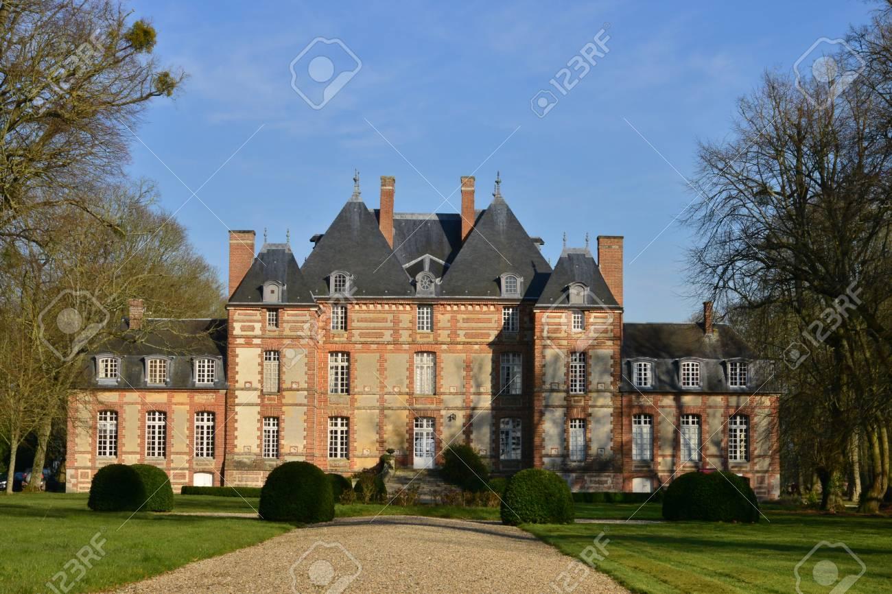 fleury la foret france 15 mars 2016 le chateau du 17 eme siecle banque d images et photos libres de droits image 57139672