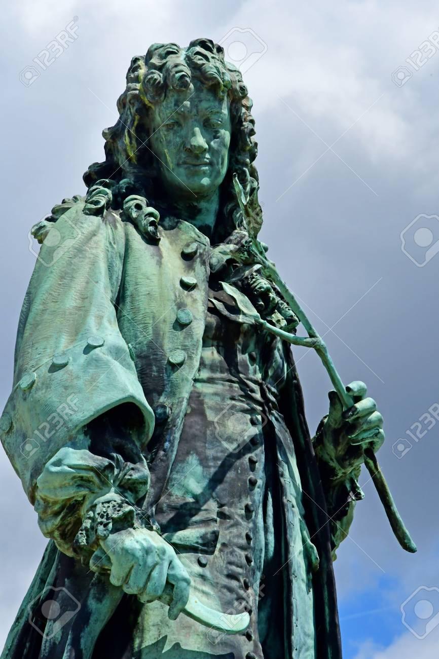 Jean Baptiste De La Quintinie : baptiste, quintinie, Versailles;, France, Statue, Baptiste, Stock, Photo,, Picture, Royalty, Image., Image, 129583414.