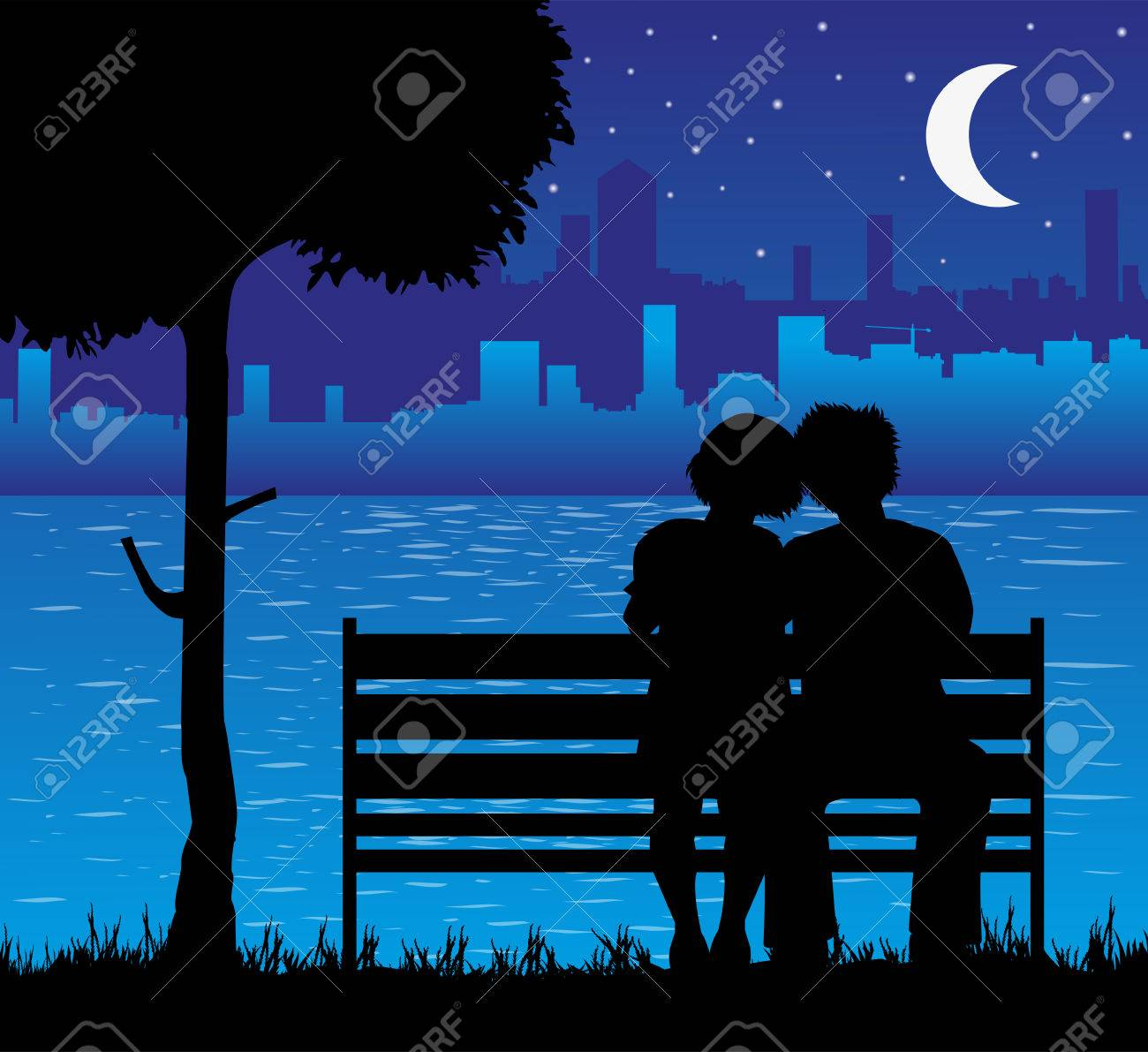 amoureux sur le banc et la ville en arriere plan
