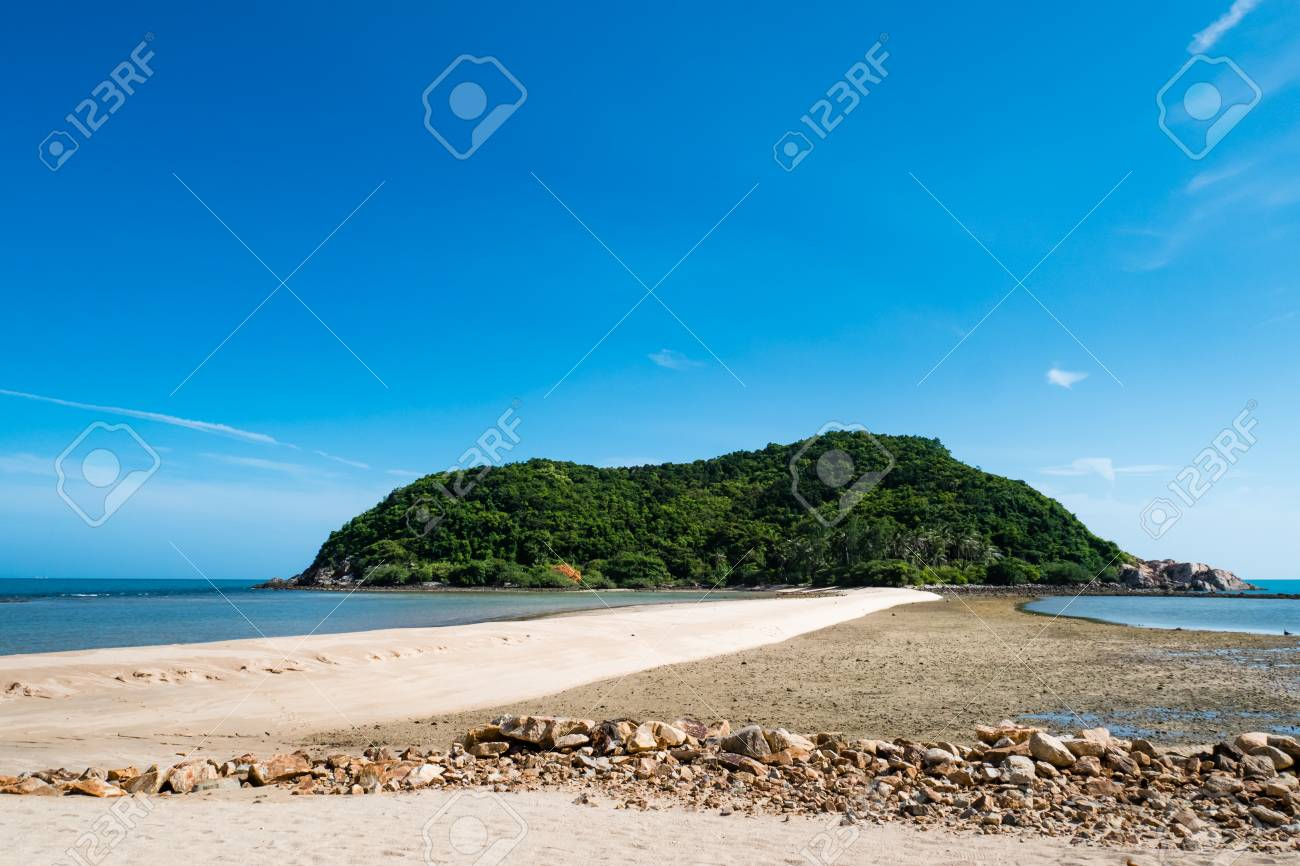 Landscape Of Sand Bridge Connects Mae Haad Beach With Koh Ma