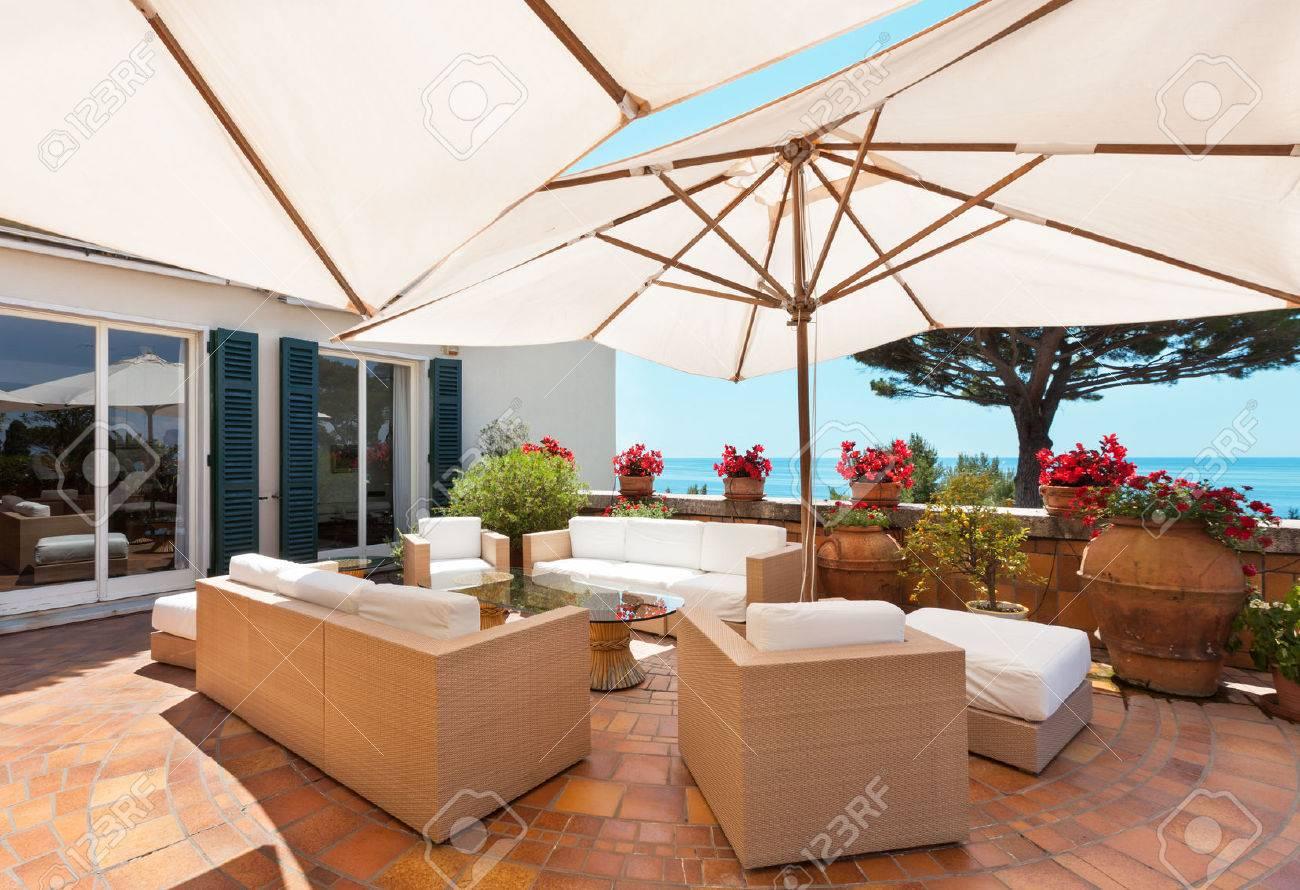 Terrasse Design Exterieur | Bougies D Extérieur Et Lanternes ...