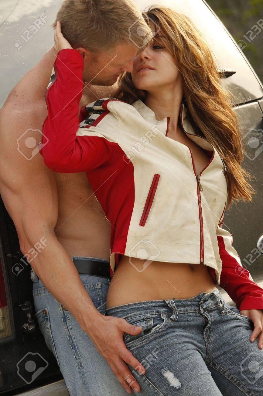 Faire L Amour Par Derrière : faire, amour, derrière, L'amour, Derrière, Porte, Camion, Banque, D'Images, Photos, Libres, Droits., Image, 7034958.