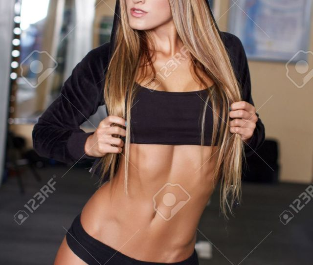 Sexy Fitness Model Posing In Gym Stock Photo 22577673