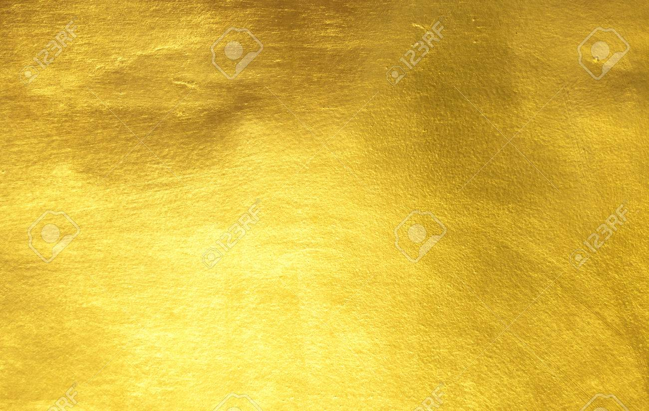 shiny yellow leaf gold