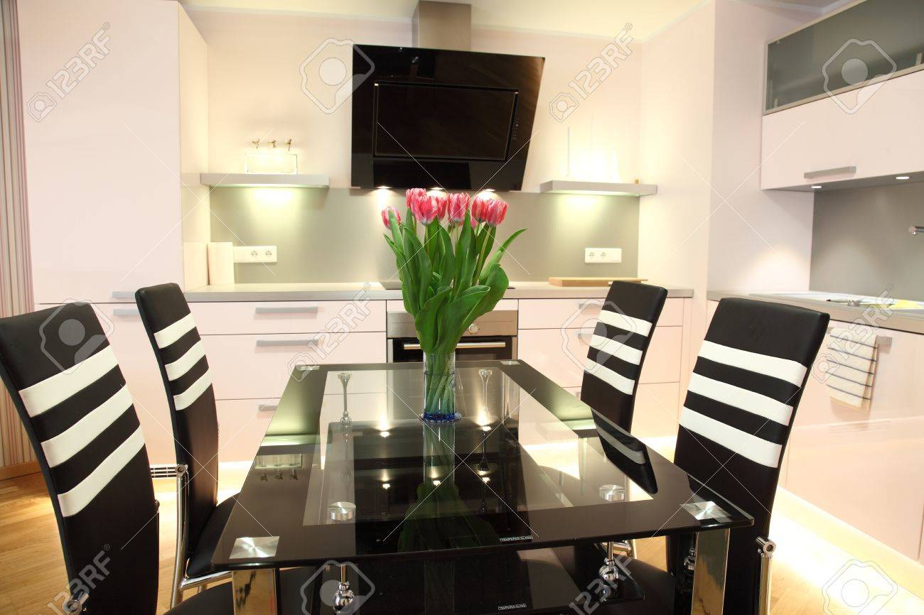 banque d images belle cuisine moderne avec un eclairage moderne de l interieur