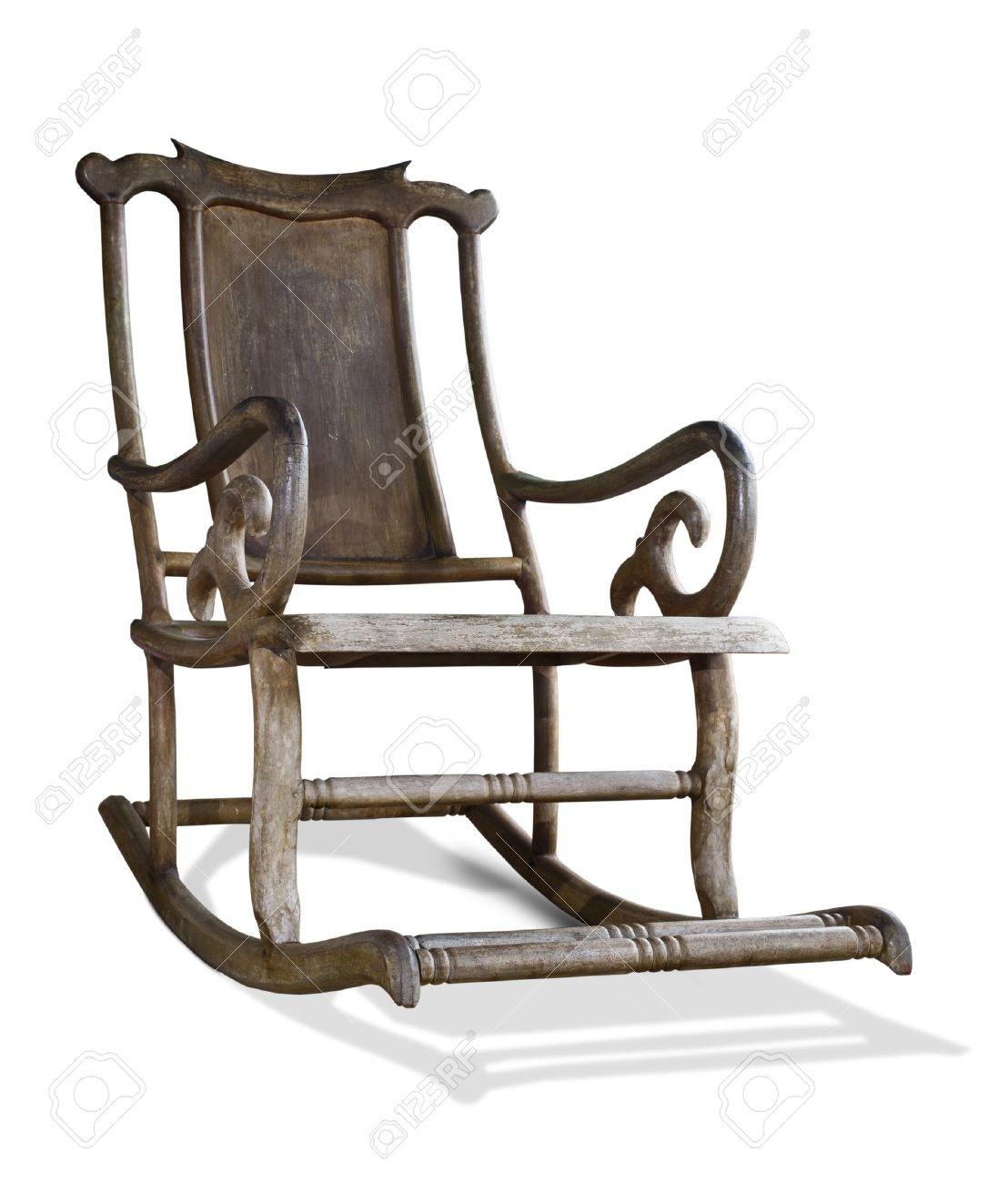 ancien fauteuil a bascule en bois isole sur fond blanc