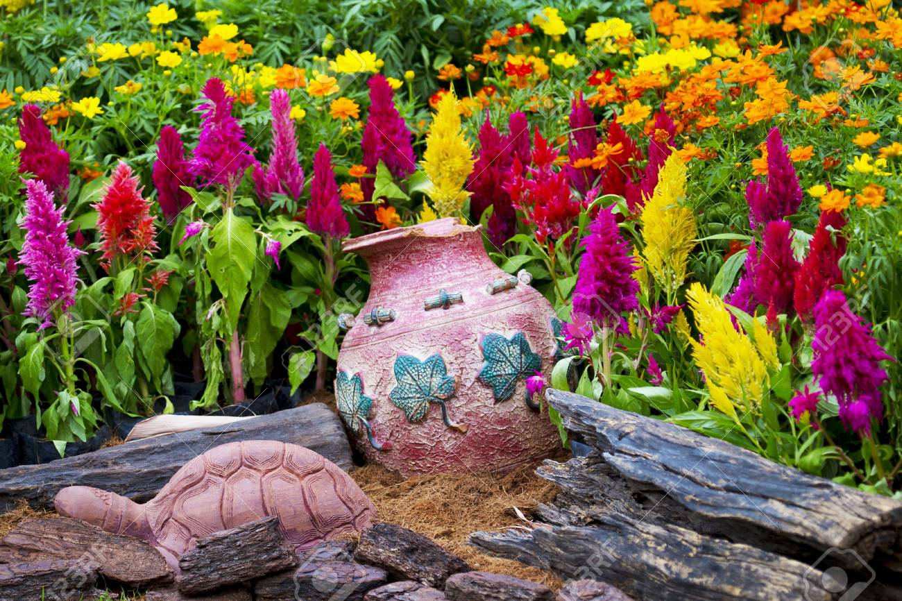 Decoration Jardin Pot Colorful Flower Garden With Clay Pot Decorating