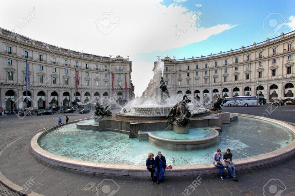 Fontana delle Naiadi, uma das fontanas mais bonitas de Roma