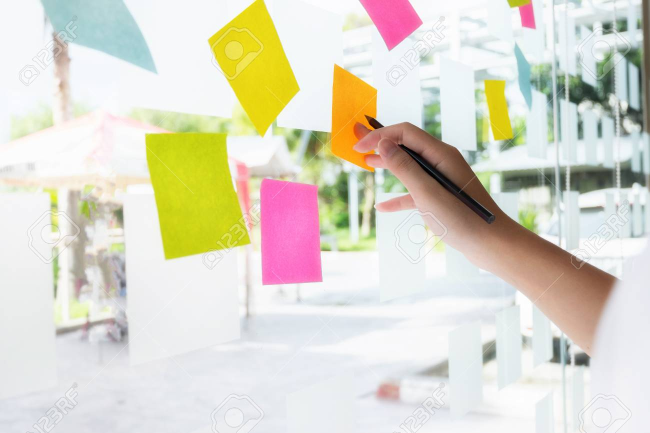 business people post it