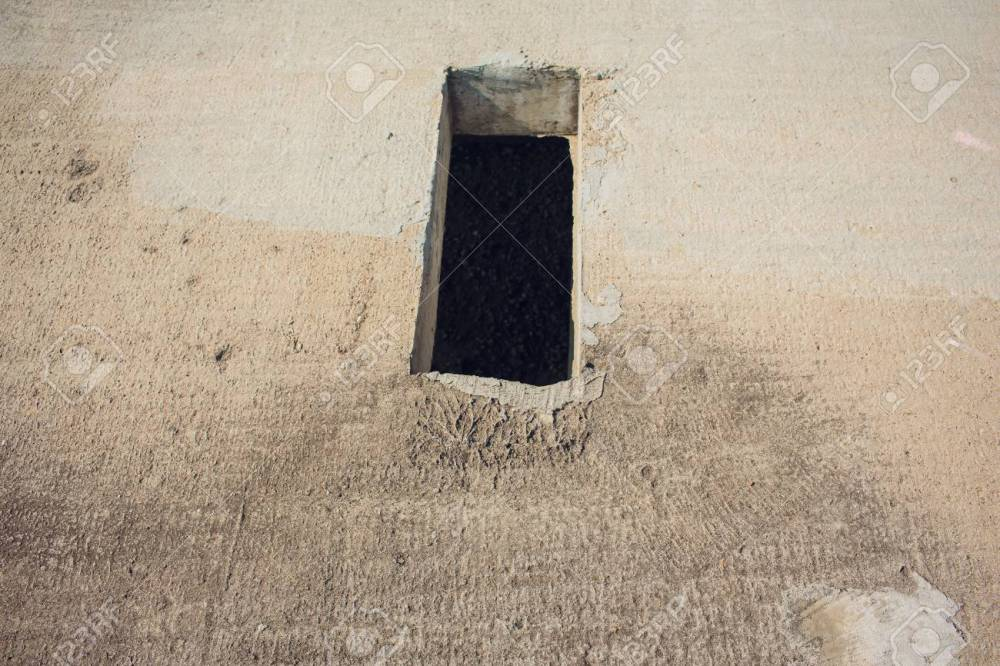 medium resolution of cement wall with rectangle hole for sewerage and electricity wiring foto de archivo 106371396
