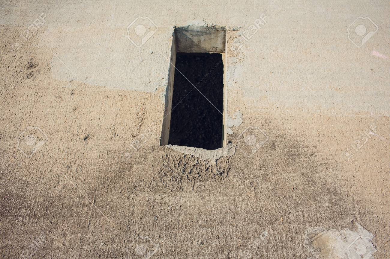hight resolution of cement wall with rectangle hole for sewerage and electricity wiring foto de archivo 106371396