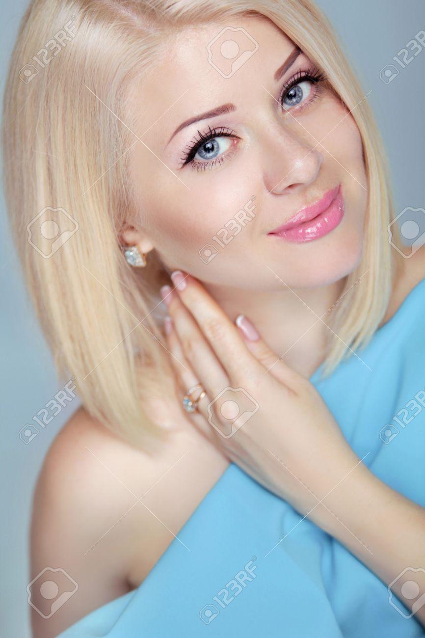 Kurze Haare Frauen Stylen Haare Stylen 2019 09 06