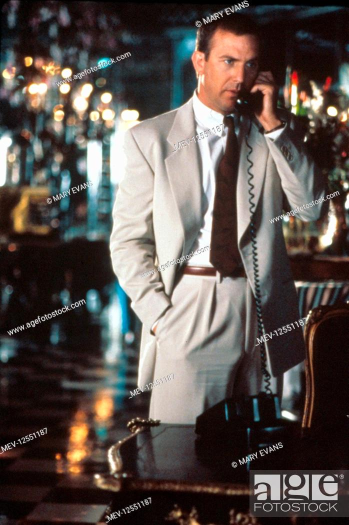 Kevin Costner Characters: Frank Farmer Film: The Bodyguard ...