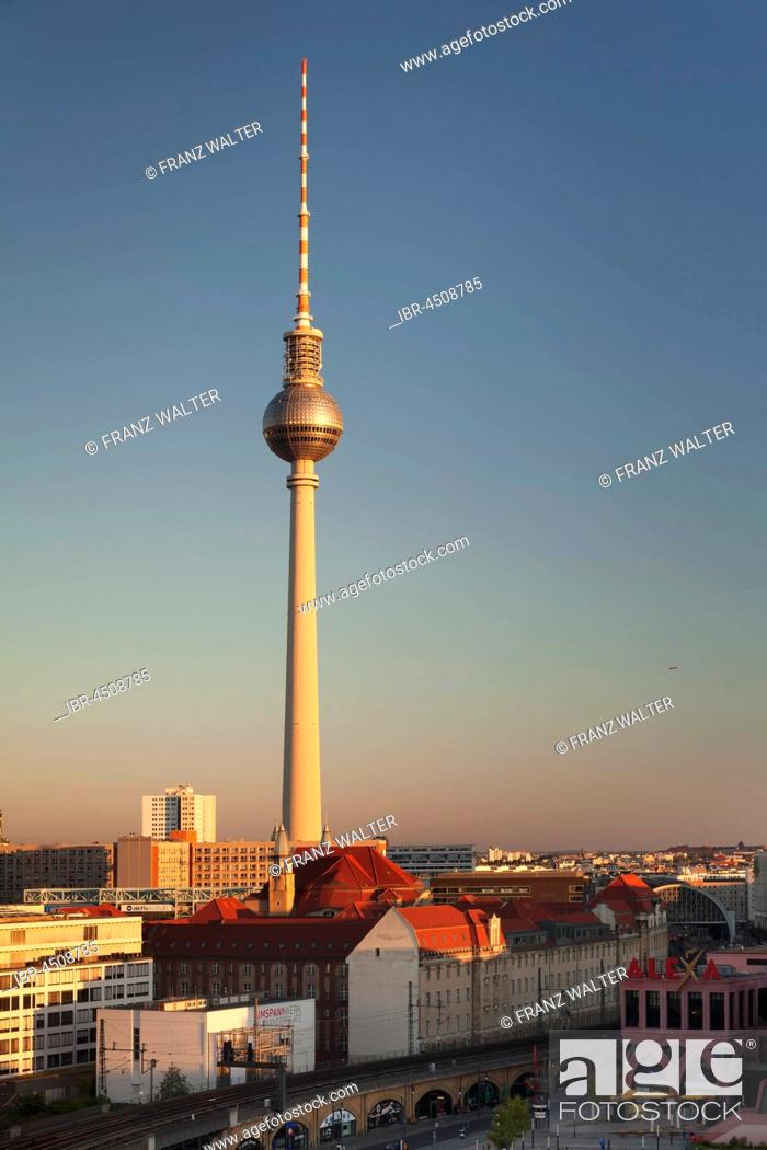 tv tower alexanderplatz berlin