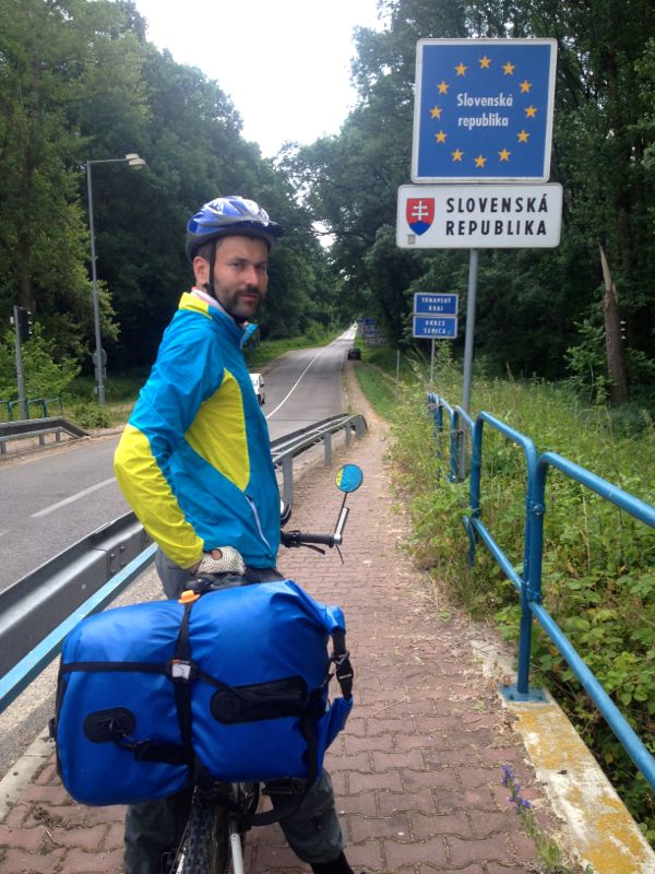 border to SK (and cycling along the iron curtain)