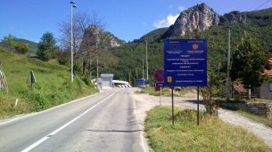 the border between Montenegro and Serbia