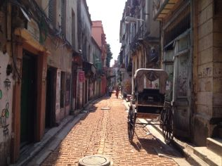 streets of old Kolkata