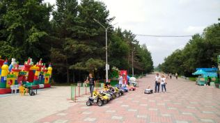 any russian city sports jumping castles and electric car rides for kids