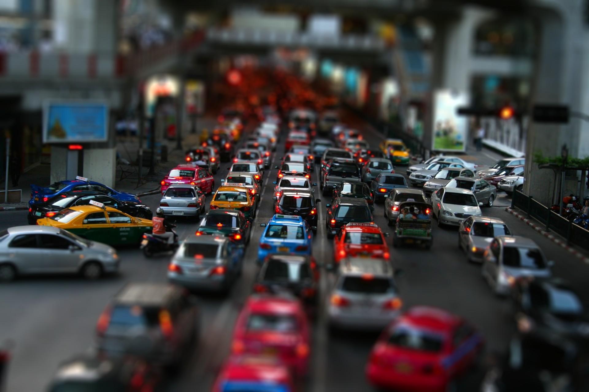 Traffic-Tilt-Shift-Wallpaper
