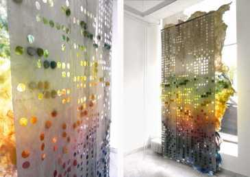 Ovaj Miličin rad u oblasti savremene umetnosti tapiserije, nastaoje na četvrtoj godini studija na predmetu Tapiserija