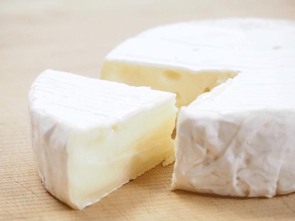 チーズはダイエット中に食べると太る?