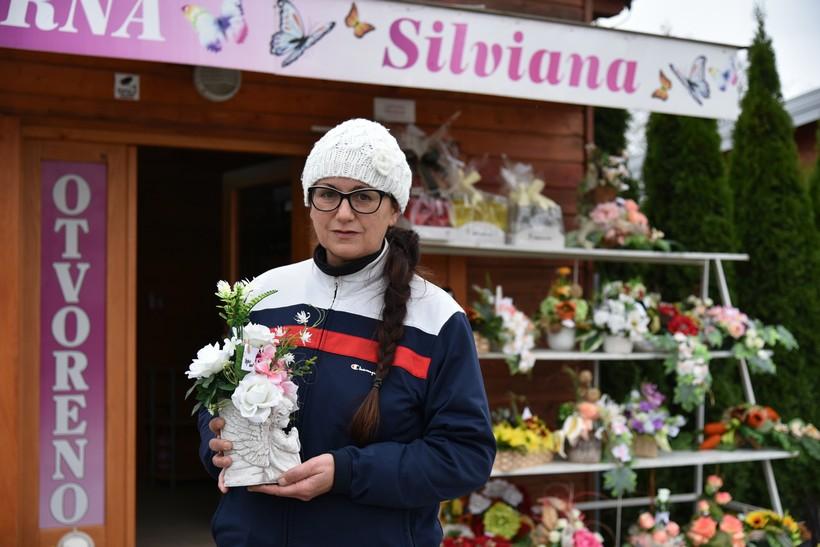[FOTO] Uoči blagdana Svih svetih // Silviana Ferenčić, vlasnica cvjećarne: 'Sve je veći jaz između sirotinje i bogatih'