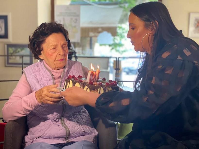 Proslavila 100. rođendan: 'Najveća slabost bake Vjekoslave su kolači i torte i čaša crnog vina'
