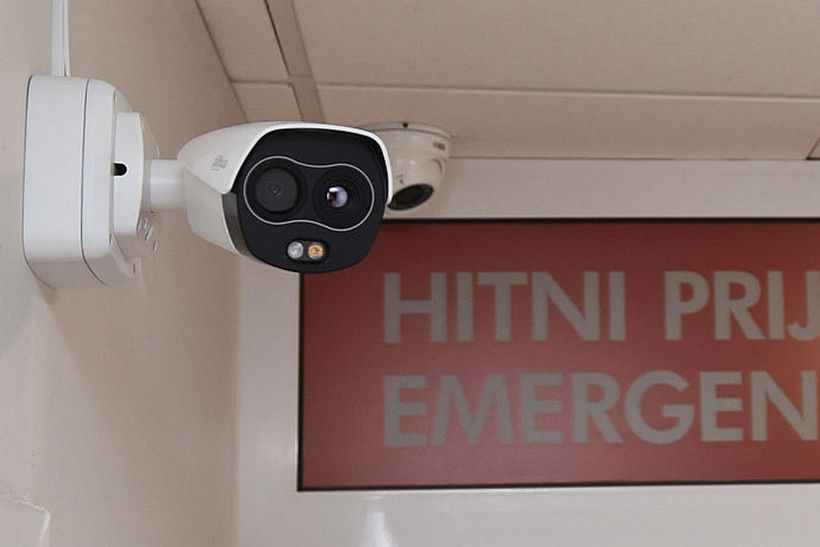 Rotarijanci karlovačkoj bolnici donirali termovizijsku kameru