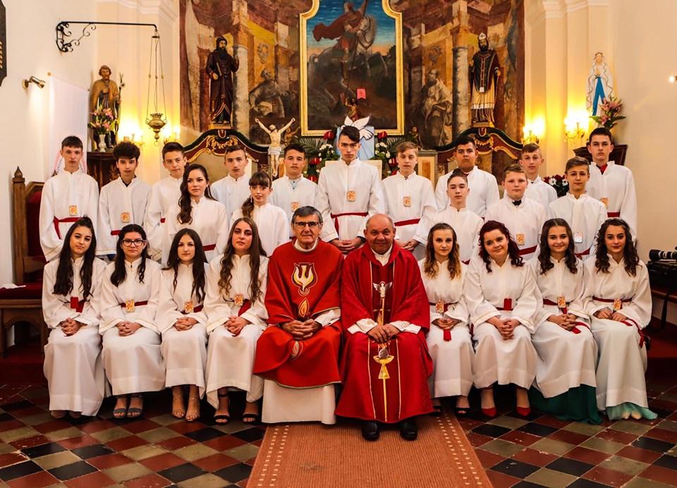 🖼️ Mladi vjernici u Đurđicu primili sakrament Krizme