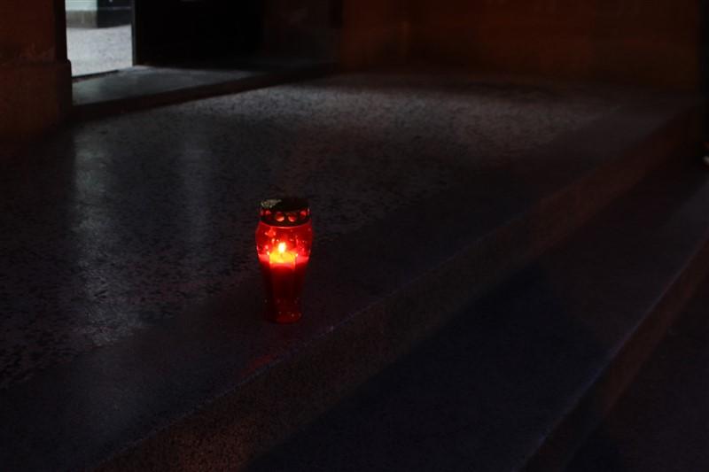 🖼️ 🎦 Upaljen lampion ispred kina u Križevcima