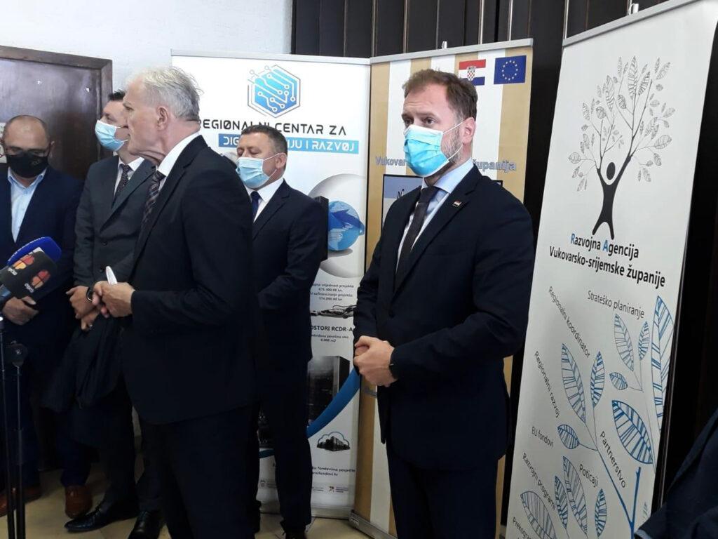 Banožić: 'Gradnja Regionalnog centra za digitalizaciju i razvoj u Vinkovcima doprinijet ćeirazvoju gospodarstva'