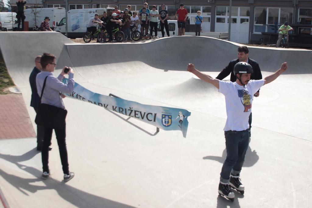 🖼️|🎦 U Križevcima svečano otvoren prvi Skate park / Gradonačelnik Rajn: Ovo je jedno od mjesta okupljanja generacijama koje dolaze