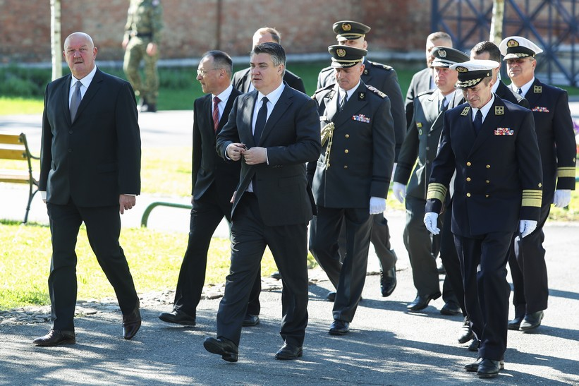 Predsjednik Milanović odao počast poginulima obilježavajućiDan Hrvatske vojske
